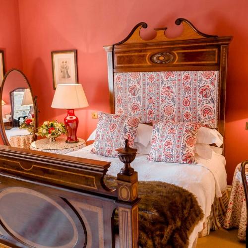 Peoni Bedroom