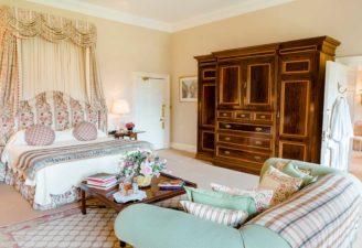 Dundas Winter Bedroom