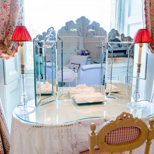 Dundas Castle Winter Dressing Table