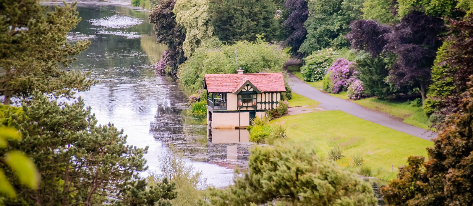 Dundas Castle Boathouse Exclusive Use Private Accommodation